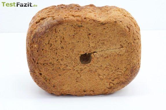 Loch im Brot durch Brotbackautomat