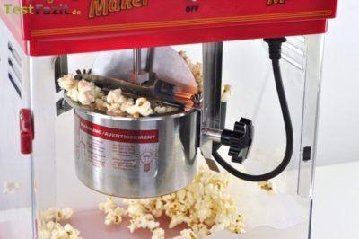Popcorn aus Popcornmaschine